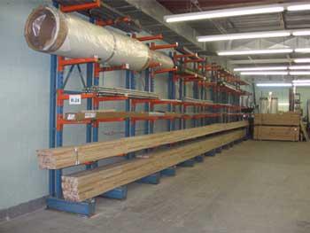 Pièces de remorque pour plancher de bois et toiture de fibre